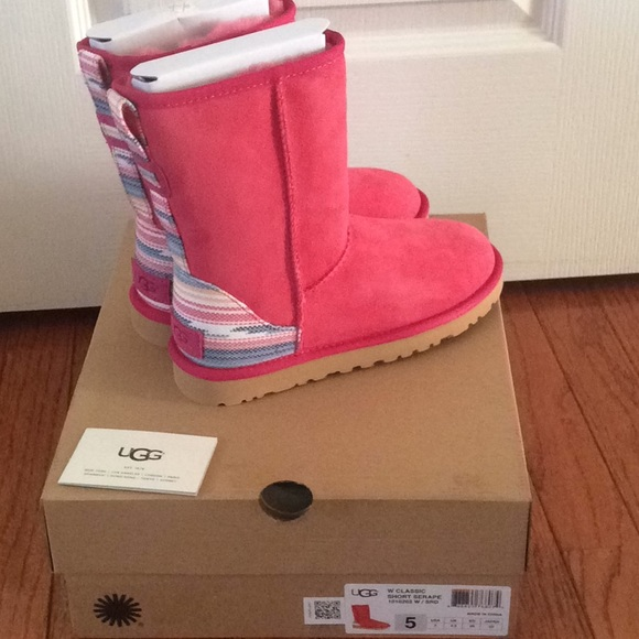 5a0fa968072a Authentic UGG boots women s size 5 pink  red